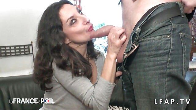 Πορνό χωρίς εγγραφή  Busty MILF με τατουάζ στην βιντεο σεχ πορνο πλάτη της lovelace διασκέδαση με μια πίπα